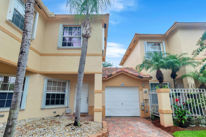 838 Nw 170th Terrace, Pembroke Pines, FL 33028