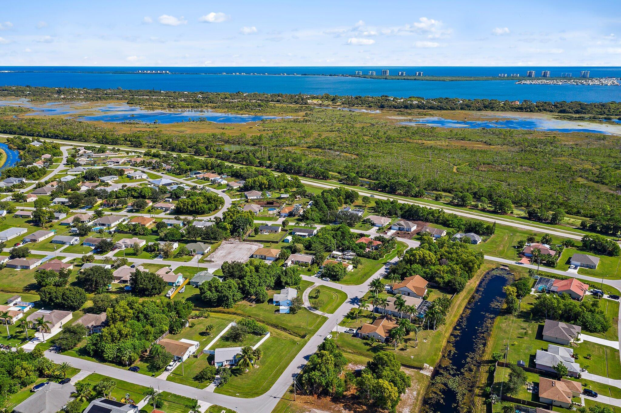 2222 Se Rock Springs Drive, Port Saint Lucie, FL 34952