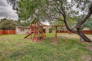 4917 Cherry Hills Dr, Corpus Christi, TX 78413