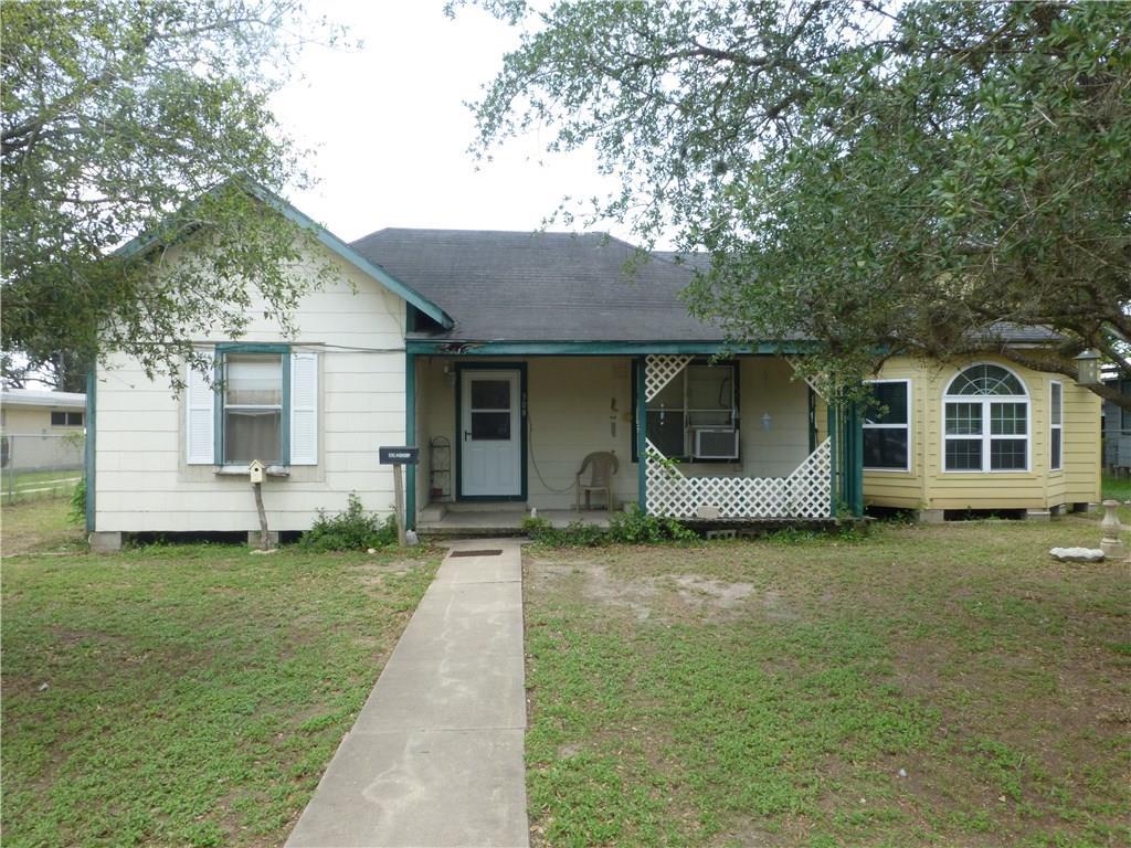 308 E Hackberry St, Mathis, TX 78368