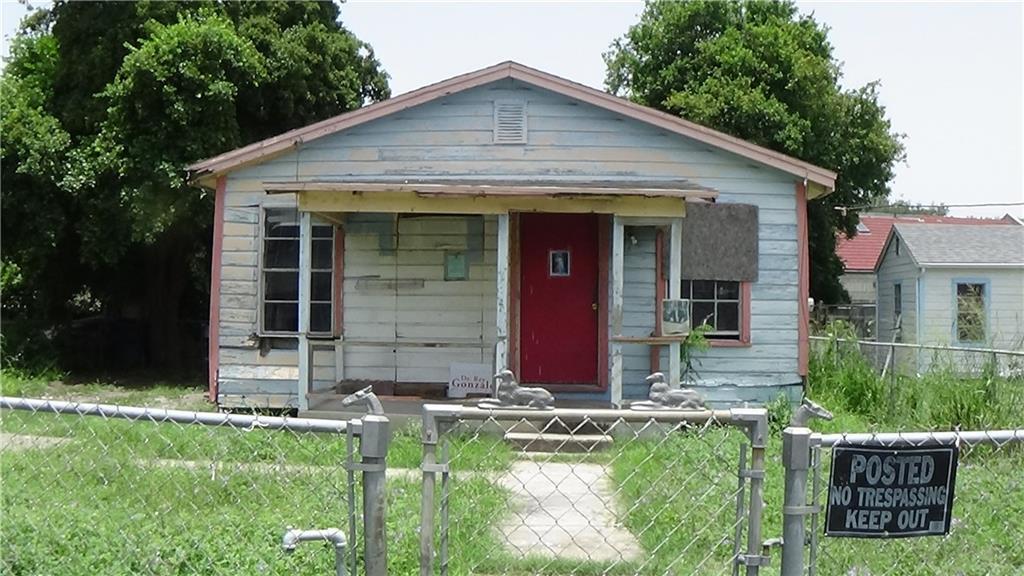 1037 Buffalo St, Alice, TX 78332