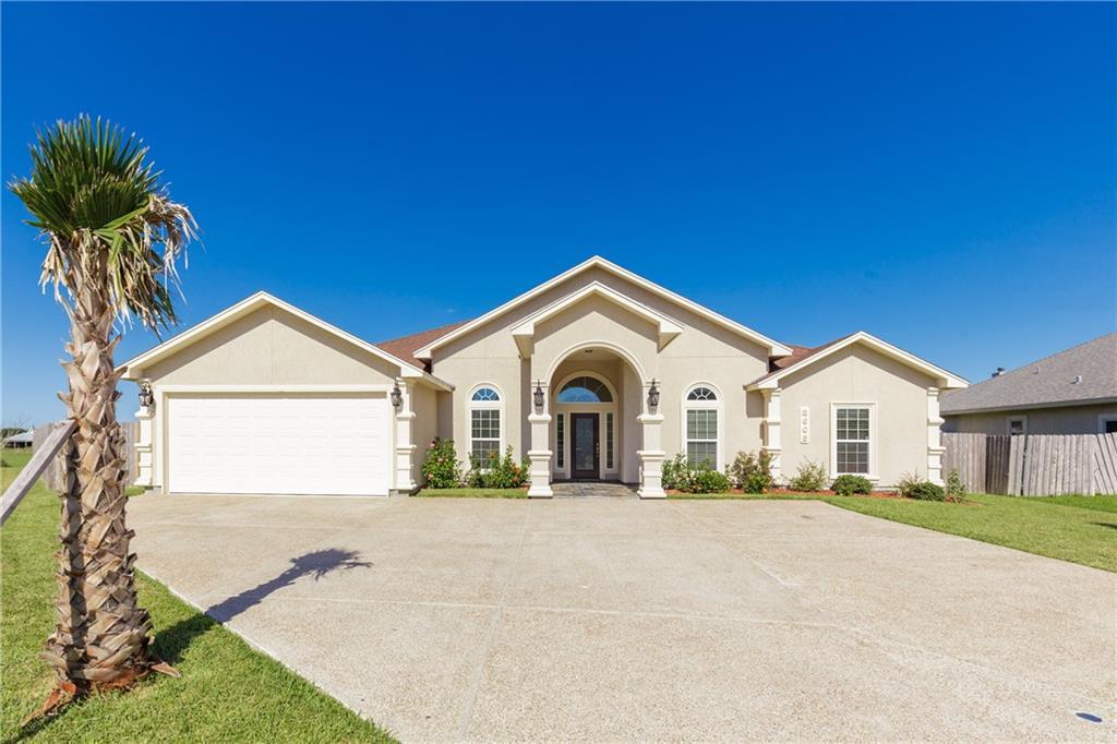 3605 Lake Champagne, Robstown, TX 78380