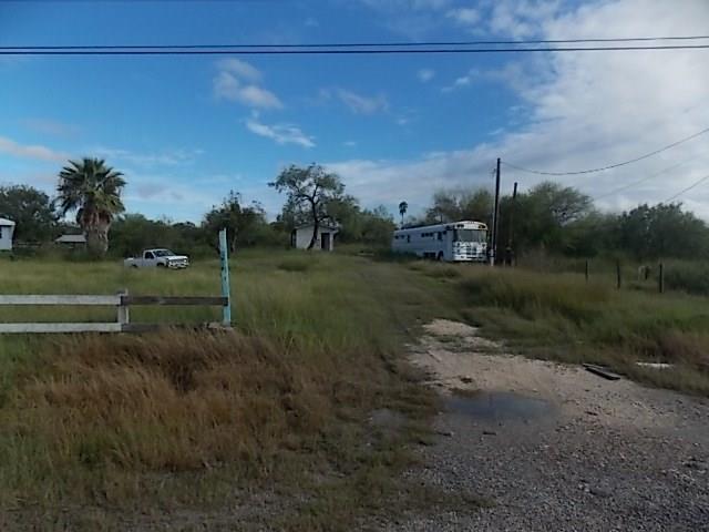 4080 Rock Island Dr, Robstown, TX 78380
