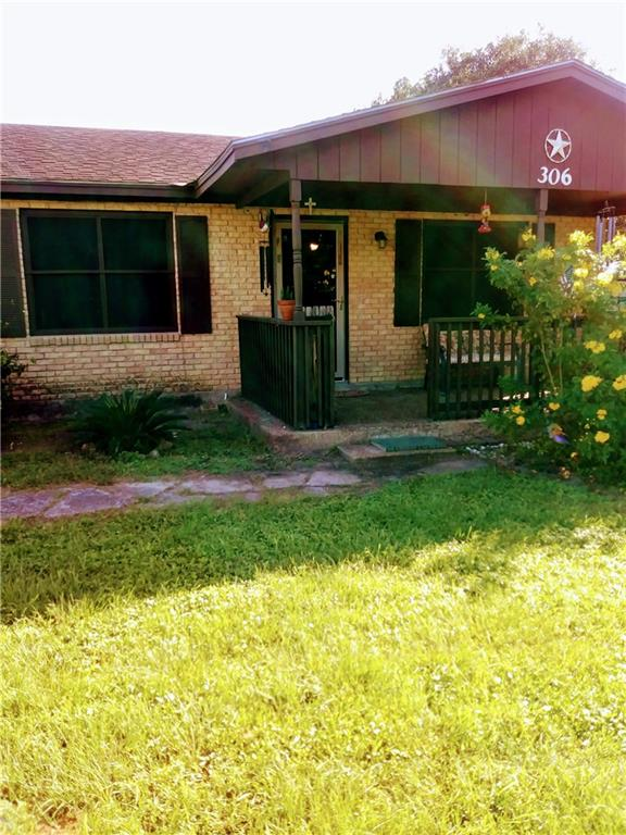 306 County Road 117, Alice, TX 78332