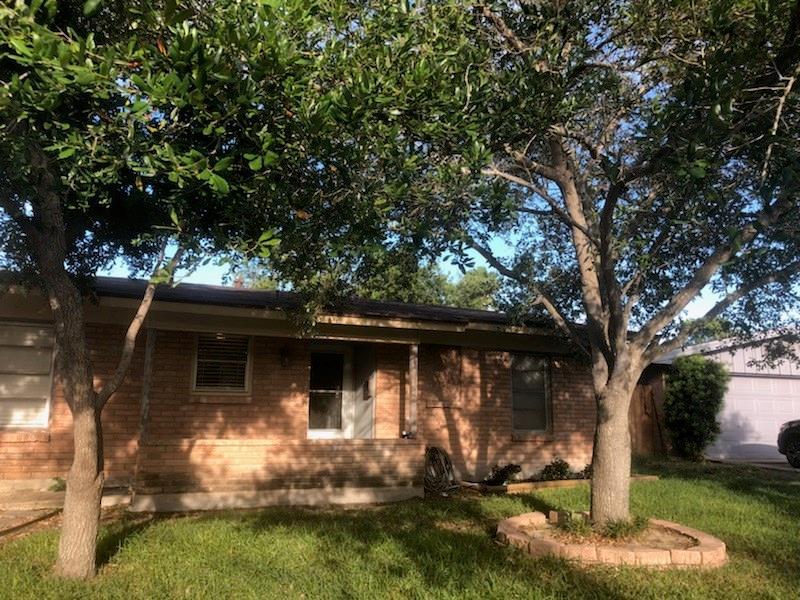 922 Belmeade Dr, Corpus Christi, TX 78412