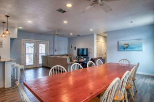 3425 S 11th St, Port Aransas, TX 78373