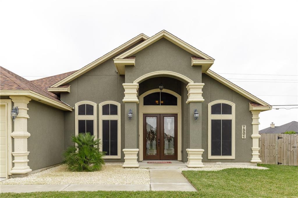 7501 E Lake Dr, Corpus Christi, TX 78414