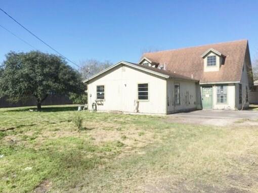 1742 E Avenue F, Kingsville, TX 78363