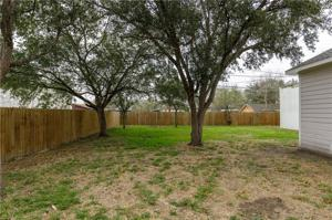 205 E 6th St, Bishop, TX 78343