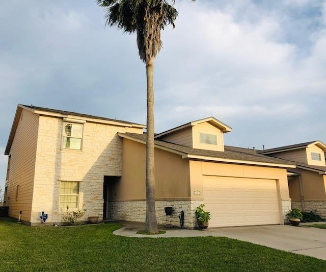4 Olde Towne Ln, Rockport, TX 78382