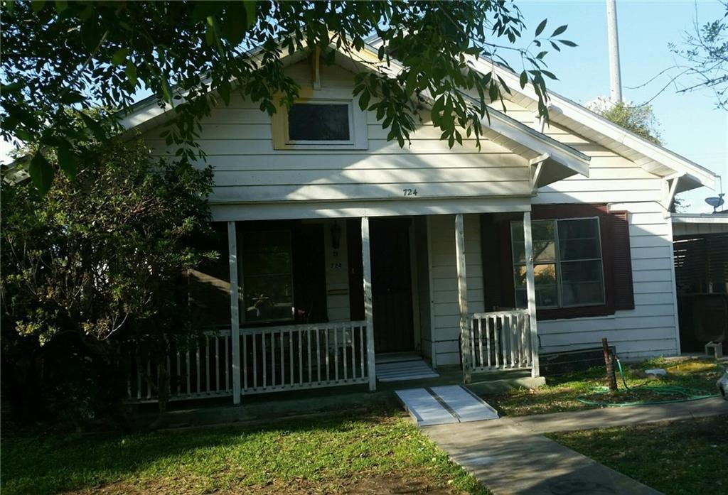 724 W Richard Ave, Kingsville, TX 78363