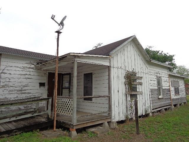324 E Ella Ave, Kingsville, TX 78363