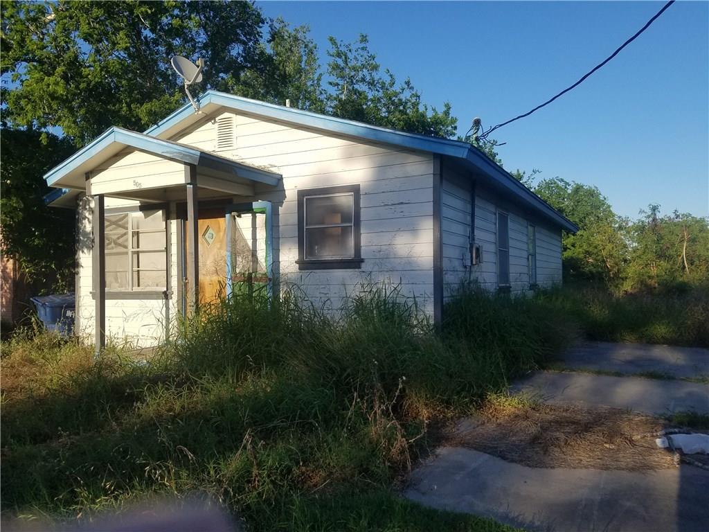 505 Avenue D, Sinton, TX 78387