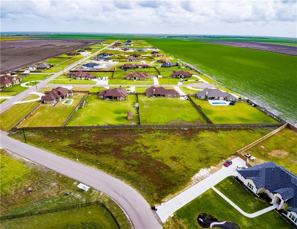 2481 Loxley Dr, Corpus Christi, TX 78415