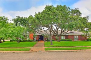 5100 Cape Ann Dr, Corpus Christi, TX 78412