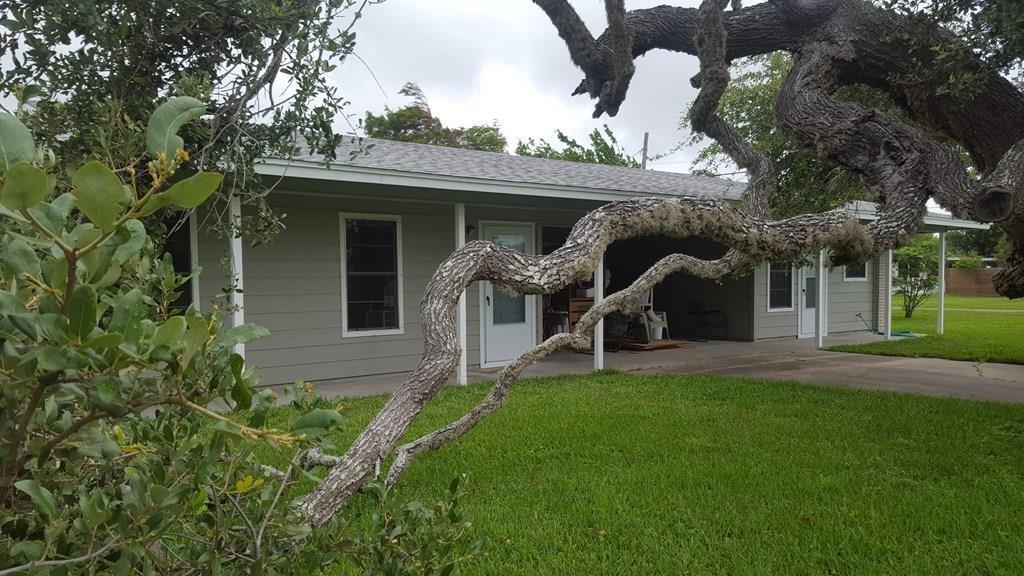 701 N Austin St, Rockport, TX 78382