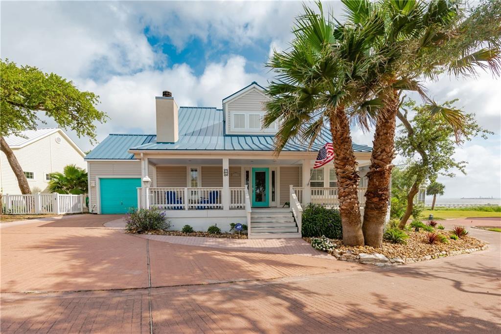 46 Old Cottage Beach Dr, Rockport, TX 78382