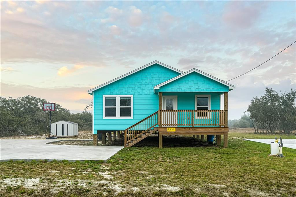 2127 Lone Star, Rockport, TX 78372