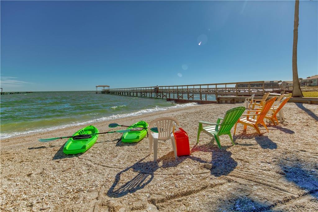520 S Fulton Beach, Rockport, TX 78382