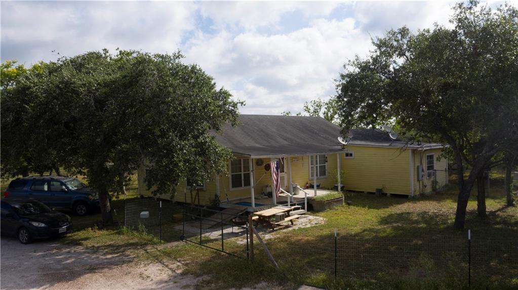 7898 N Us Highway 281, Orange Grove, TX 78372
