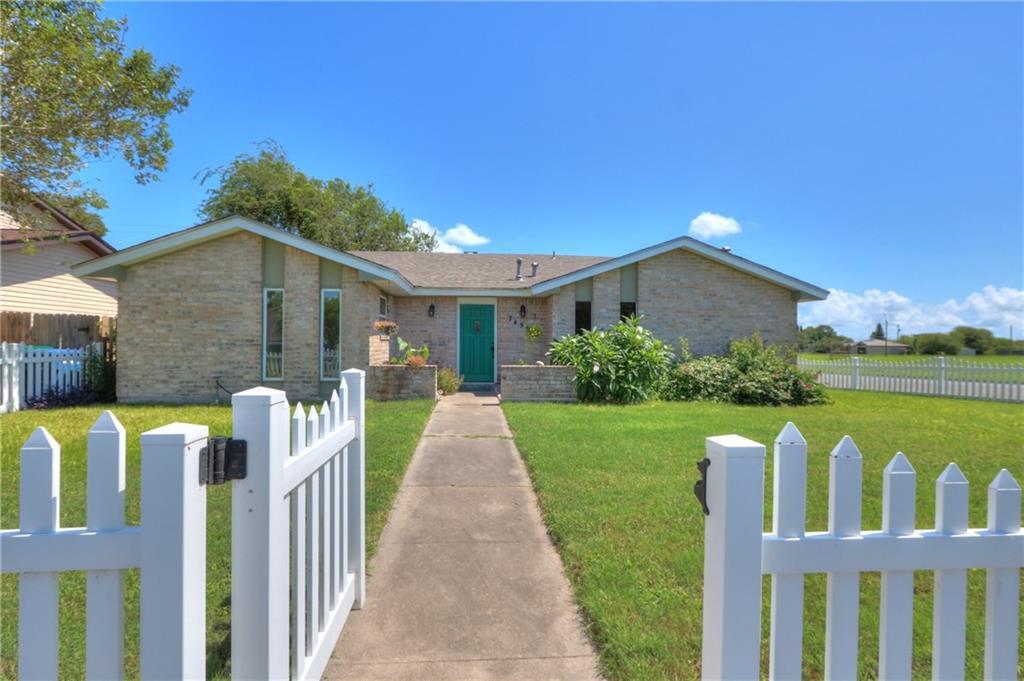 7458 Piper Dr, Corpus Christi, TX 78412