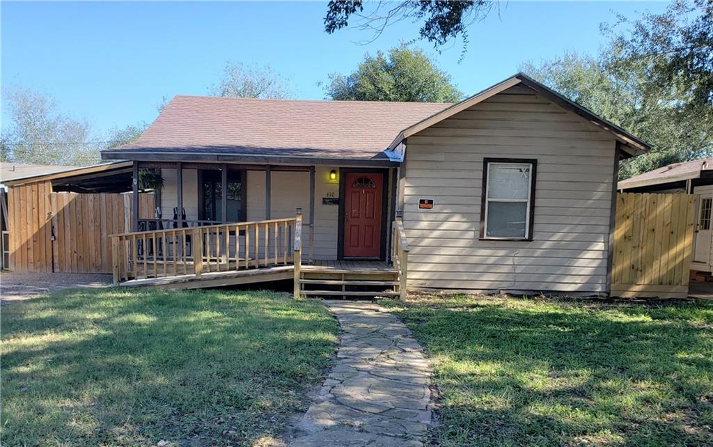 610 N Woodlawn Dr, Alice, TX 78332