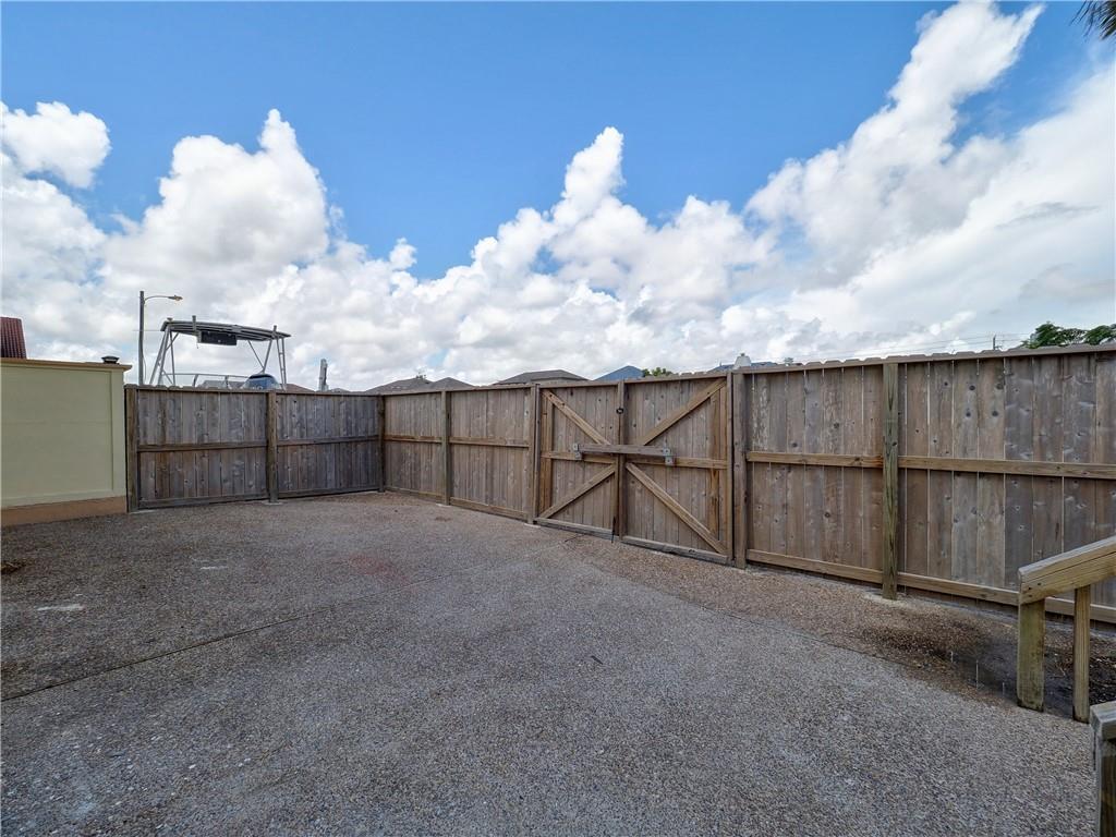 15302 Bowsprit Ct, Corpus Christi, TX 78418