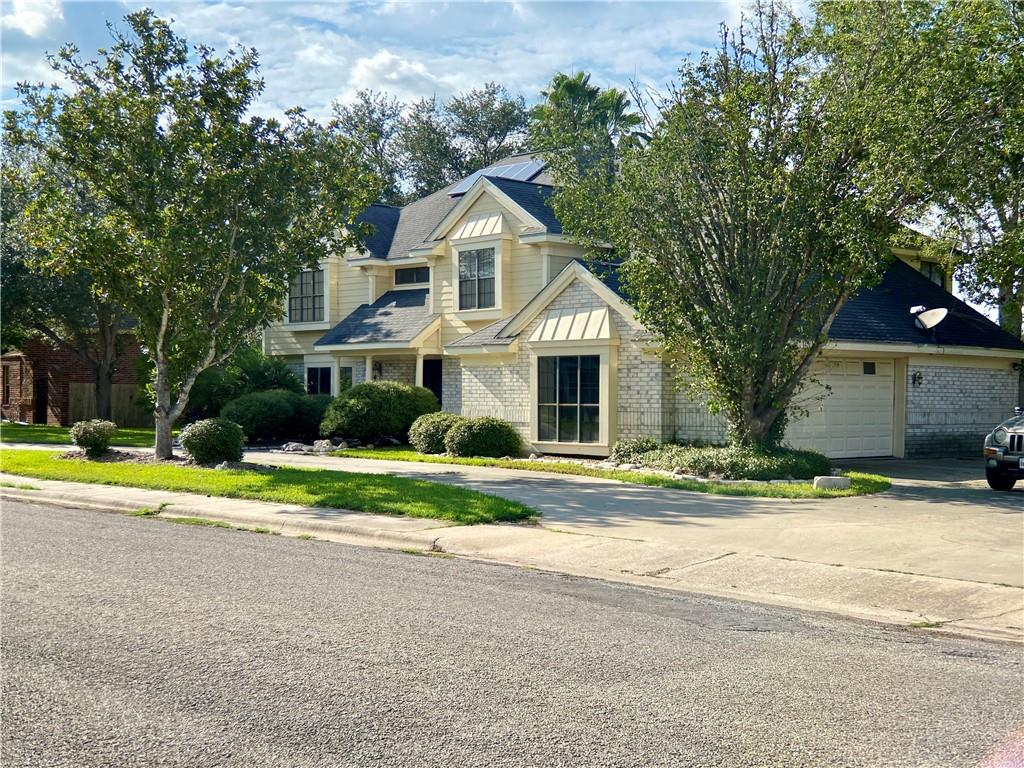 1821 Clarice Ave, Alice, TX 78332