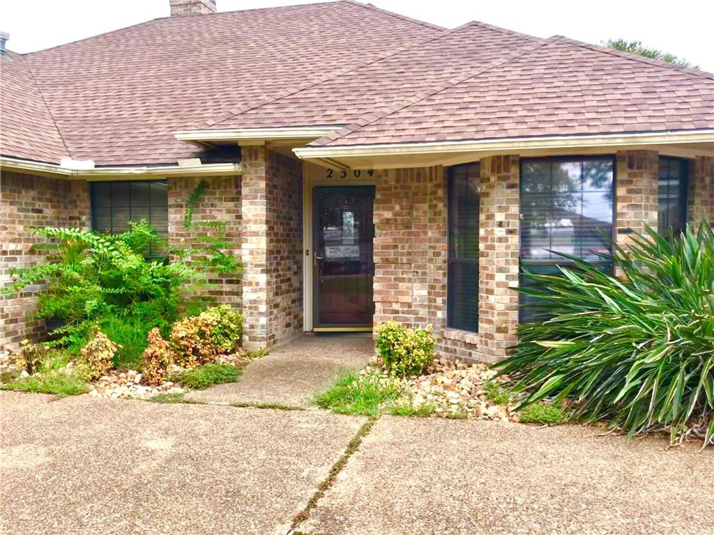 2304 Willow Dr, Portland, TX 78374