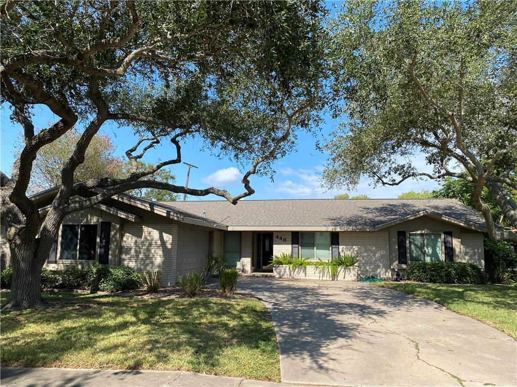 446 Montclair Dr, Corpus Christi, TX 78412