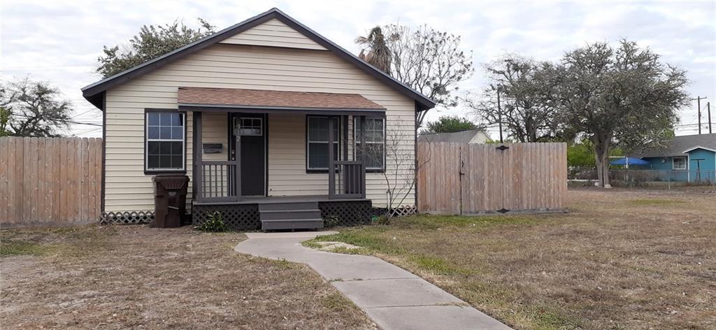 312 W Kenedy Ave, Kingsville, TX 78363