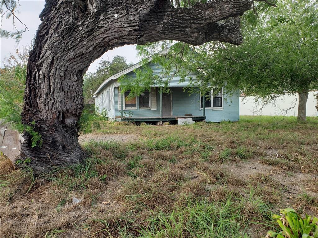 214 W Huisache Ave, Kingsville, TX 78363