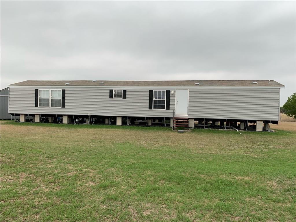 932 Casa Blanca Dr, Sinton, TX 78387