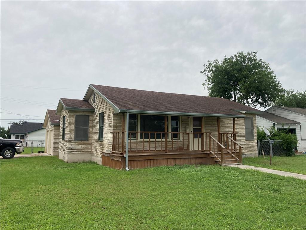 601 E Henderson St, Bishop, TX 78343