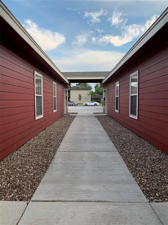 318 W Ella Ave, Kingsville, TX 78363