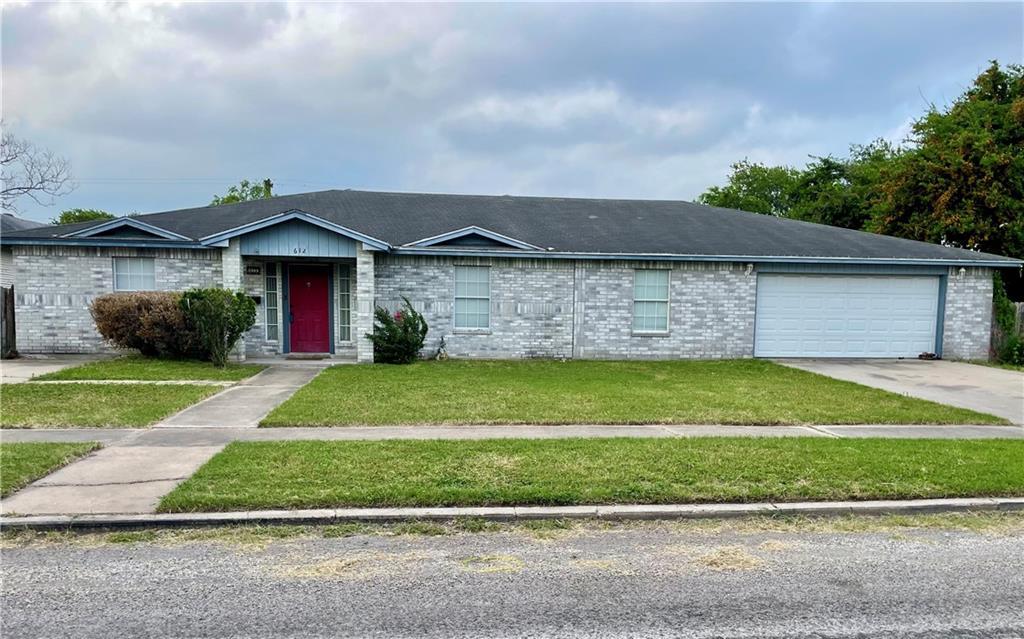 612 E Lee Ave, Kingsville, TX 78363