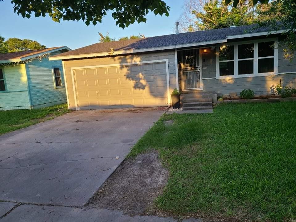 4826 Alice St, Corpus Christi, TX 78411