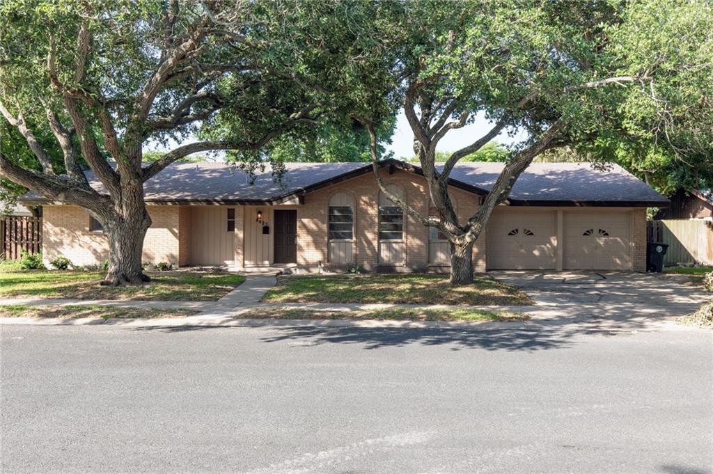 4425 Bonner Dr, Corpus Christi, TX 78411