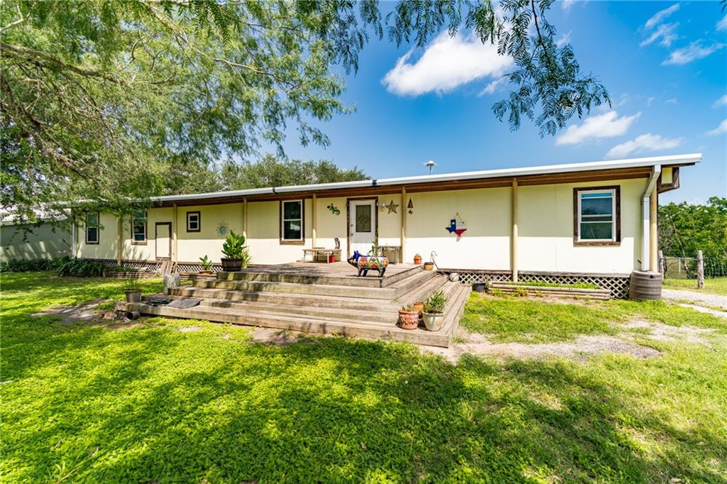 111 County Rd 346, Mathis, TX 78368