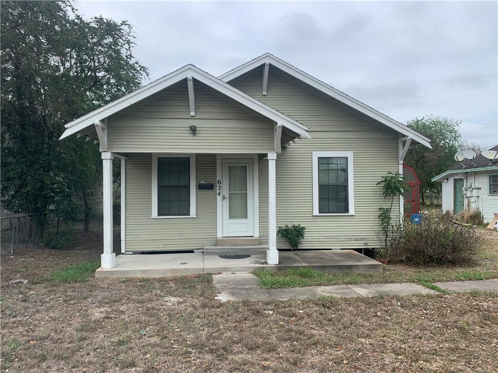 624 W Kleberg Ave, Kingsville, TX 78363