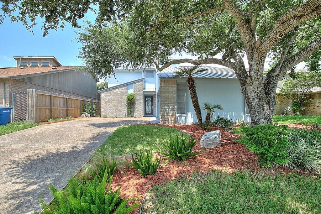 1034 Harbor Village Dr, Corpus Christi, TX 78412