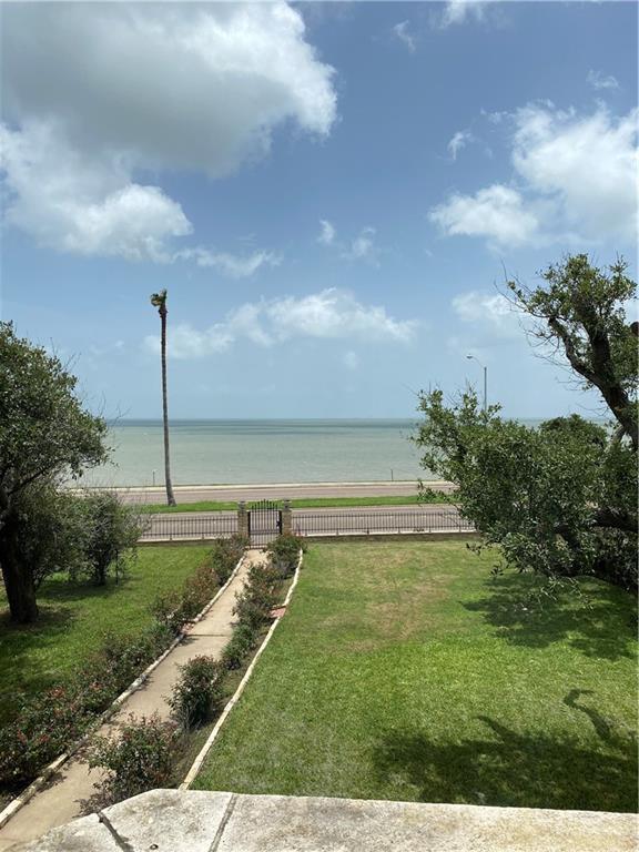 2717 Ocean Dr, Corpus Christi, TX 78404