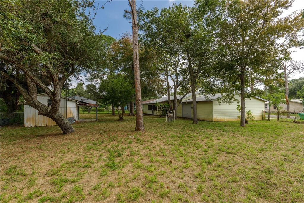 1342 Oak Park Dr, Aransas Pass, TX 78336
