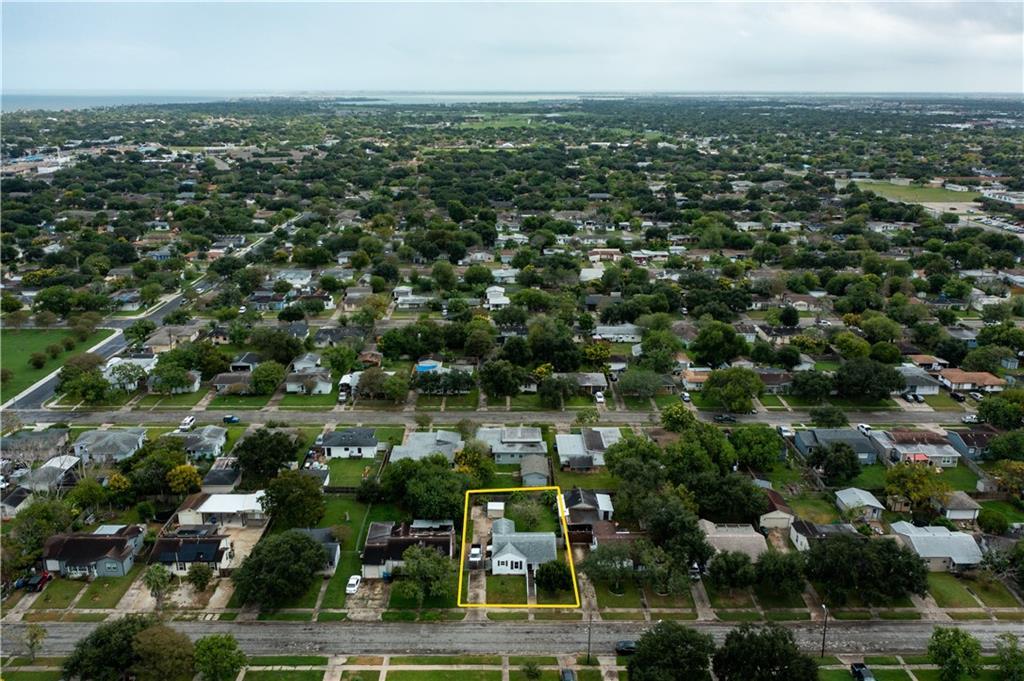 725 Sharon Dr, Corpus Christi, TX 78412
