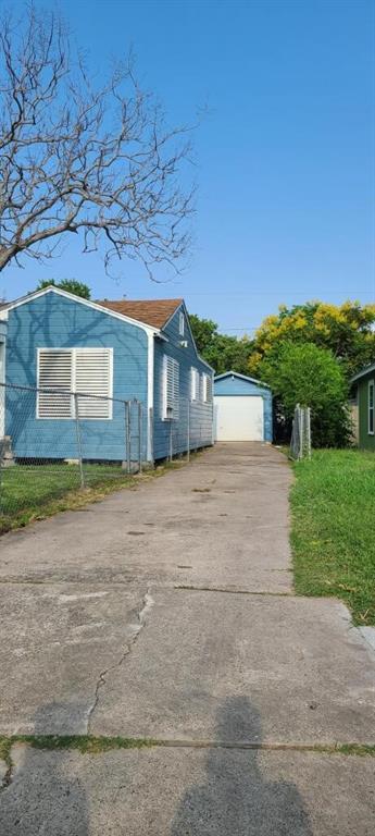 2705 Sarita St, Corpus Christi, TX 78405