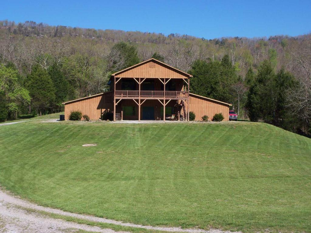 232 Tranquility Ln, Pikeville, TN 37367