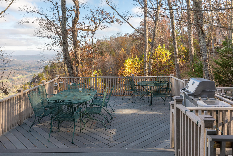 465 Brow Lake Rd, Lookout Mountain, GA 30750