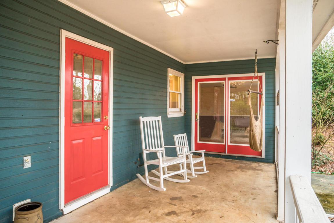 120 Oak Tr, Chickamauga, GA 30707