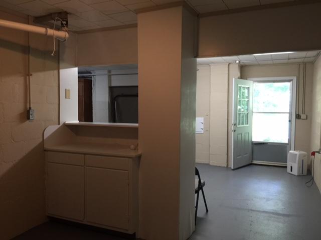 402 Oakland Dr, Lafayette, GA 30728