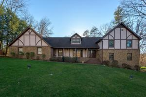 38 Hidden Brook Ln, Signal Mountain, TN 37377